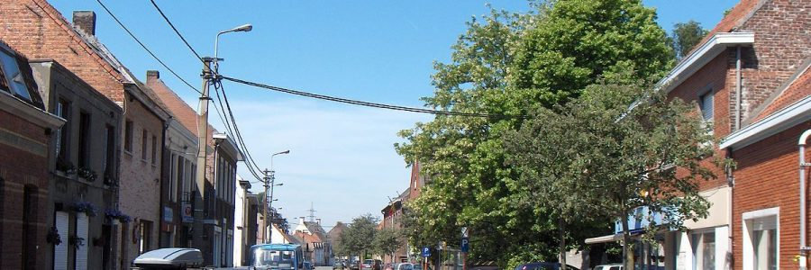 Paaltjes Rapenburgstraat/Marcel Herpelinckstraat te Sint-Kruis-Winkel